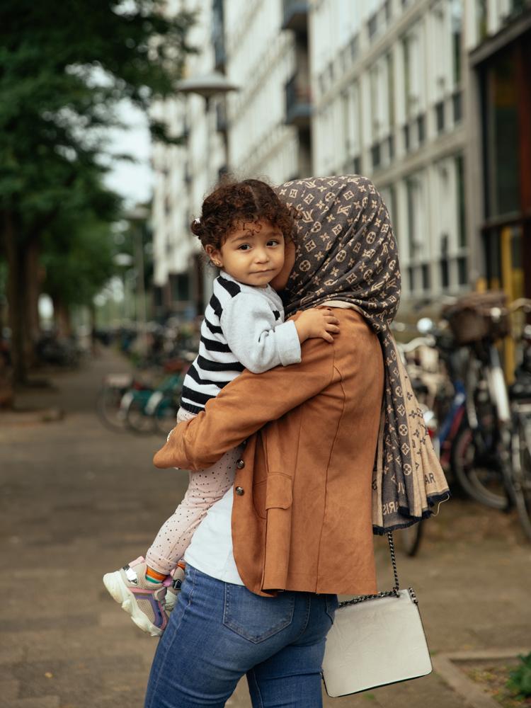 Buurtleven - Utrecht portret met kindje - Samen het verschil maken - Synchroon